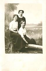 To Tora (DameBoudicca) Tags: sweden sverige schweden suecia suède svezia スウェーデン lästringe södermanland sörmland vintage old kvinna frau femme woman mujer donna 女 1914