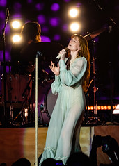 Florence and the Machine 12/09/2018 #2 (jus10h) Tags: florence welch themachine florenceandthemachine theforum forum inglewood losangeles california live music concert festival fest kroq almost acoustic christmas sunday december 9 2018 justinhiguchi sony dscrx10 dscrx10m3