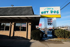 Mr. Hot Dog - Euclid Ave. (dangaken) Tags: greatlakesbay gogreatlakesbay saginawbayregion greatlakesbayregion midmichigan tricities midwest usa michigan mi mich puremichigan winter michiganwinter cold ice snow 2019 baycitymi baycity fuji fujifilmxt2 fastfood hotdog restaurant mrhotdog euclidave coneydog coney 99c koegel koegels koegelsmeats