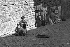 Street art (ucrainis) Tags: art street tallinn estonia black white bwd monochrome music fiddler painter