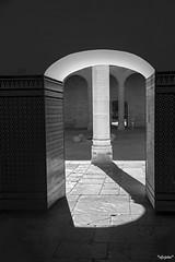 Palacio de Santa Cruz (*efejota*) Tags: palacio sombra luz sol puerta arquitectura desaturado piedra