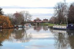 Abingdon bridge (phileveratt) Tags: river riverthames thames abingdon oxfordshire bridge boat barge willow canon eos77d efs18135 reflections