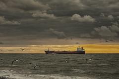 westkapelle (Omroep Zeeland) Tags: zonsondergang westkapelle zee zon skyline zeeland walcheren water golven