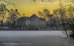 Schloss Monrepos (Fotomanufaktur.lb) Tags: domäne schloss schölkopf schoelkopf sunrise sonnenaufgang eis see gefroren winter badenwürttemberg deutschland de canon
