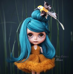 Flutter <3 (pure_embers) Tags: pure embers blythe doll dolls laura england uk custom sammydoe tan briar embersbriar takara neo teal hair alpaca reroot girl photography erin deir portrait bird mustard dress ninabella9 nest