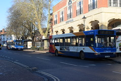 SO 34467 and 34472 @ Banbury bus station (ianjpoole) Tags: stagecoach oxfordshire dennis dart plaxton pointer kv53nhb 34467 kv53nhg 34472 working route b9 bridge street banbury warwick road hardwick b5 bradley arcade bretch hill respectively