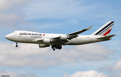 Air France Cargo Boeing 747-428F(ER) F-GIUA / CDG (RuWe71) Tags: airfrancecargo afafr airfrance airfranceklm airfranceklmgroup boeing boeing747 b747 b747f b744 b744f b747400 b747400f b747428 b747428f boeing747400 boeing747400f boeing747400erf boeing747428 boeing747428f boeing747428erf boeing747428fer fgiua cn328661315 n5017q parisroissy roissycharlesdegaulle parischarlesdegaulle parischarlesdegaulleairport aéroportsdeparis lfpg cdg widebody winglets jumbo jumbojet freighter landing cargo cargoaircraft queenoftheskies