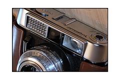 Vito-clr (JJDuvoisin) Tags: voigtlander vito clr ilford hp5 colorskopar 2850