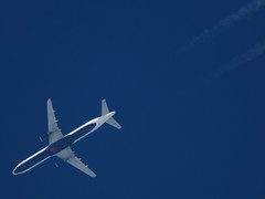 C-FJNX (zhirenchen) Tags: airbus a321 321 cruise high altitude contrail stream cloud trail vapor tail track steam chemtrail rnav nikon coolpix p1000 megazoom telephoto telescope 3000mm jet plane airplane spotting aircraft airline airliner flight flightradar24 fr24