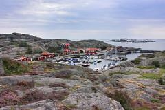 IMG_2392-1 (Andre56154) Tags: schweden sweden sverige himmel sky küste coast felsen hafen port heide boot boat insel island dockbay