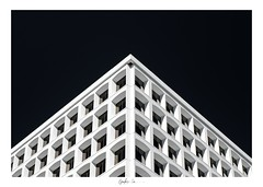 Top of the Louvre (g-liu) Tags: california sanjose siliconvalley building architecture abstract windows glass polarized polarizer framed highcontrast downtown tower pyramid geometric shapes street sony a6500 bw blackandwhite