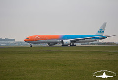 KLM Boeing 777-306(ER) | PH-BVA (Het Vliegtuigenhoekje) Tags: klm b77w boeing 777306er phbva kl kl743 ams eham 18l aalsmeerbaan