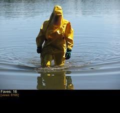 srpen2013_16 (pchoj2010) Tags: gumoskauti pchoj pchoj2010 gasmask hazmat raincoat breathplay
