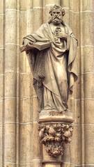 S. Petrus (guenther_haas) Tags: ulmermünster ulm minster petrus olympus omd em5 mzuiko 40150mm mc14 statue schlüssel key