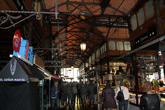 Mercado de San Miguel, Madrid (herbert@plagge) Tags: madrid architektur stadt markthalle menschen mercadodesanmiguel spanien spain architecture city people market urbancentre
