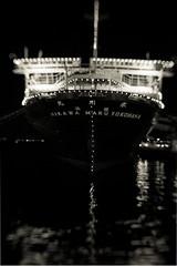 氷川丸 (Masahiko Kuroki) Tags: bnw monochrome noiretblanc xt2 lensbaby trio28 night ship 氷川丸 横浜