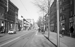 Hängmattan (rotabaga) Tags: sverige sweden streetart göteborg gothenburg konica blackandwhite bwfp bw diy tmax100