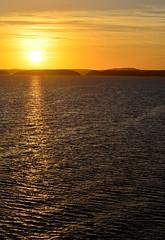 Sun Rising over Lake Nasser (pjpink) Tags: sun sunrise morning lakenasser lake desert nubia golden abusimbel egypt january 2019 winter pjpink 2catswithcameras