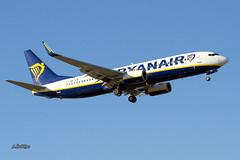 IMG_1762@L6 (Logan-26) Tags: boeing 7378as eidwl msn 33618 ryanair riga international rix evra latvia aleksandrs čubikins blue sky fly flying