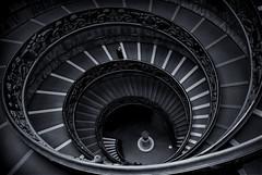 solO (mey belin) Tags: roma escaleras spiral