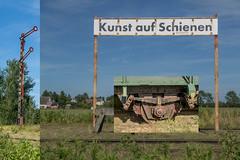 Kunst auf Schienen (krieger_horst) Tags: dars eisenbahn kunst signal collage