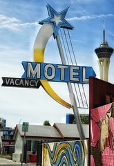 Vacancy Here (podolux) Tags: 2019 sony sonya7 sonyilce7 ilce7 a7 motel motelsign lasvegas nevada nv vintagesign fremontstreet neon sign neonsign signs star clarkcounty