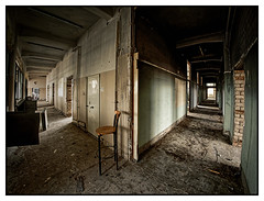 leere Gänge . . . (norbert.r) Tags: abandoned dirty spooky old indoors architecture dark empty broken ruined damaged builtstructure messy rotting obsolete horror absence flickrchallengegroup