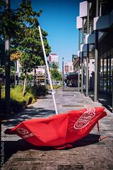 Inversion layer (Chris (a.k.a. MoiVous)) Tags: streetlife adelaidecbd holidayseason