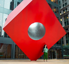 The New Yorkers - Under the cube (François Escriva) Tags: street streetphotography us usa nyc ny new york people candid olympus omd photo rue sun light woman colors sidewalk manhattan cube red green isamu noguchi statue building