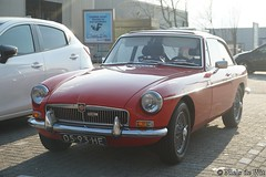 1968 MG B GT (NielsdeWit) Tags: nielsdewit car vehicle 0593he mg b gt bgt mgb mgbgt 1968 red