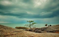 Samui (ValterB) Tags: clouds cloud red flag water emerald green valterb valter view sky sea seasia thailand samui rock rocks rocky nikond90 nikkor nikon tree travel trip trees ocean plant