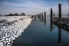 To the shore (Ingeborg Ruyken) Tags: sneeuw january empel orning natuurfotografie januari ochtend winter snow