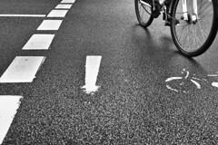 Bicycle.jpg (Deinert-Photography) Tags: streetfotografie street schwarzweis fujifilm23mmf14 fahrräder blackwhite schwarzweiss radfahrer citylife streetart streetphoto streetphotography ubanphotography urban
