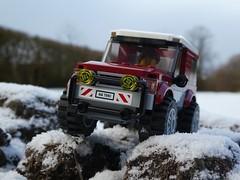 Snow Patrol (captain_joe) Tags: sooc 60149 toy spielzeug 365toyproject lego minifigure minifig car auto jeep 6wide snow schnee
