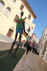 La pista de carreras (Micheo) Tags: menorca ciutadella spain carnaval decoracion decorations calle street olimpiadas granada