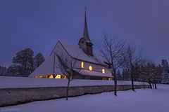 Church at night - Würzbrunnen (Captures.ch) Tags: wolken snow schnee clouds night nacht evening abend winter aufnahme capture baum forest himmel landscape landschaft church kirche sky tree wald switzerland bern emmental würzbrunnen röthenbach swiss