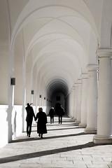 Archway (Christoph Wenzel) Tags: deutschland sachsen sonyalpha6000 urlaub dresden stadt sonysel35mmf18 architektur winter de
