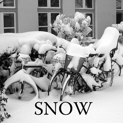 snow (j.p.yef) Tags: peterfey jpyef yef seasons winter germany hamburg 2006 snow square bw sw monochrome bicycles street