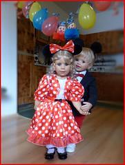 Party ! Party ! Party ! (ursula.valtiner) Tags: puppe doll luis bärbel künstlerpuppe masterpiecedoll fasching carnival faschingsfest carnivalparty tanz dance tanzen mickeymouse minniemouse mickymaus luftballons balloons minniemaus