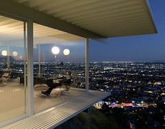 Stahl House at night (p.bjork) Tags: stahlhouse modern architecture hollywoodhills losangeles urbansprawl california