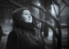 Night, street, lantern (svklimkin) Tags: winter portrait people park tree girl woman frost canon cute blackwhite svklimkin