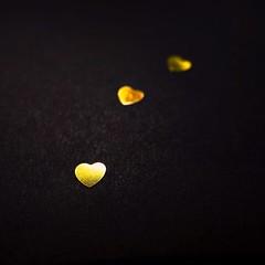 #gold #heart (7 Blue Nights) Tags: gold 3 three heart closeup black 7bluenights bokeh macro dark darkness diagonals harmonyblue sony carlzeiss rx10 lookingcloseonfriday