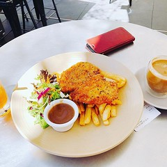Yep, craving this for weeks! Now finally have a cut of it! #chickenschnitzel #food #lunch