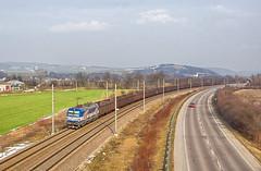 Ruda vectronová | 383.205 | ZSSK Cargo | Kostolná-Záriečie (lofofor) Tags: electric vectron 383 205 383205 zsskcargo cargo nákladný ruda železná iron ore freight pálenisko nm sk sr svk slovensko slovakia považie kostolná záriečie melčice chocholná trenčin zlatovce koridor rail locomotive railways reklamný livery nadjazd
