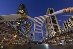 Chong Nonsi Bridge [TH] (ta92310) Tags: asie asia thaïlande thailand travel canon bangkok 6d hiver winter 2019 architecture building metro subway longexposure bluehour night nuit bridge pont bts skytrain