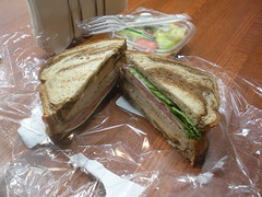 a sandwich and fruit from 7-Eleven (Danny / ixfd64) Tags: ixfd64 nikon coolpix