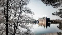 Château de Frederiksborg (Jean-Louis DUMAS) Tags: lake lac eau arbre nature landscape paysage castle château reflets reflection