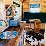 "Tiny Cabin, Gatlinburg TN <a style=""margin-left:10px; font-size:0.8em;"" href=""http://www.flickr.com/photos/132885244@N07/46520876465/"" target=""_blank"">@flickr</a>"