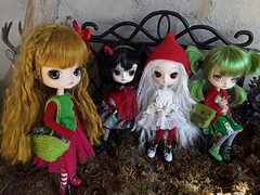 Outfits navideños (Lunalila1) Tags: doll groove dal dotori elf handmade outfit lunalilaclothes dress clothes christmas costura tezca yotsuba fc custo custom sheryl designs delorean effy levan