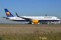 "TF-FII, Boeing 757-208(WL), 24760 / 281, Icelandair, ""Eyjafjallajökull "", CDG/LFPG 2019-02-27, taxiway Alpha-Loop. (alaindurandpatrick) Tags: 24760281 tffii 757 752 757200 boeing boeing757 boeing757200 jetliners airliners fi ice iceair icelandair airlines cdg lfpg parisroissycdg airports aviationphotography"